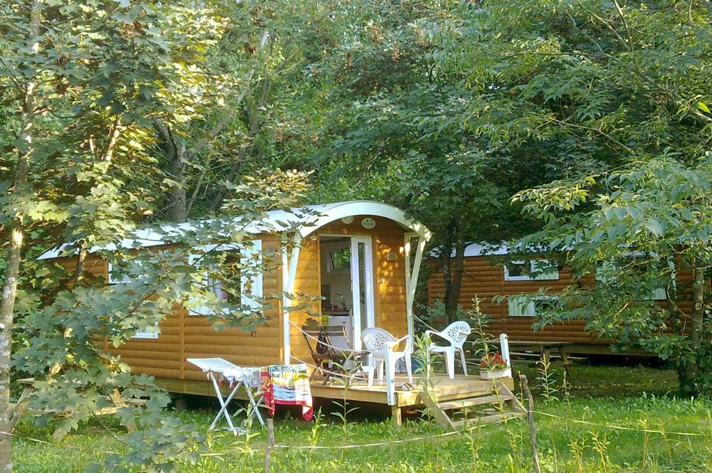 Location de roulotte camping isis en c vennes site - Camping les vignes lit et mixe site officiel ...